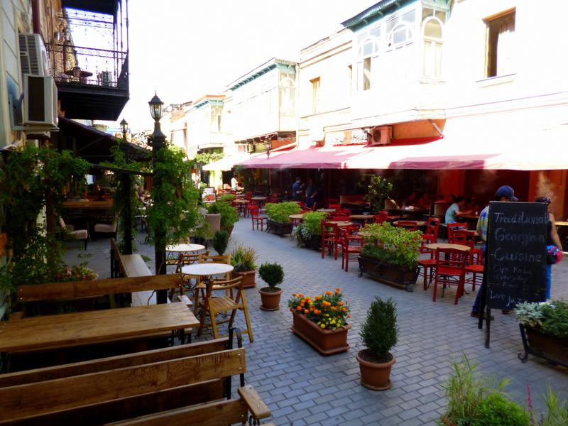 Kleine Restaurantmeile zwischen Freedom Square und Rike Park