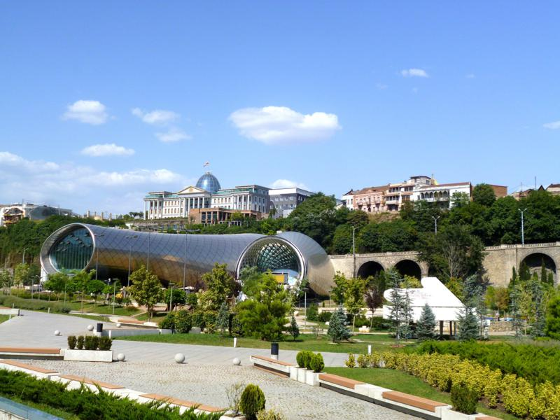 Der Rike Park - Entertainment und Architektur in Tiflis