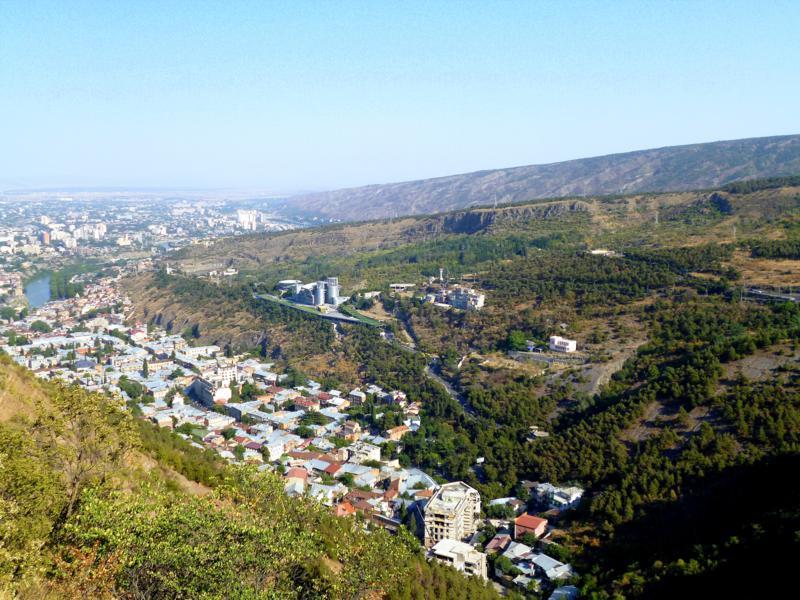 Tolle Ausblicke auf Tiflis während des Hash