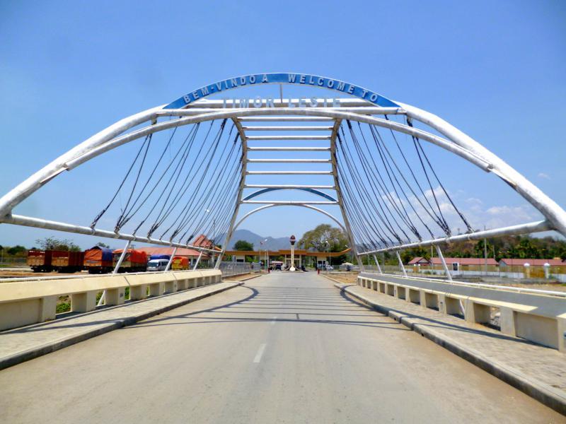 Der Grenzübergang von Indonesien nach Timor-Leste in Batugade