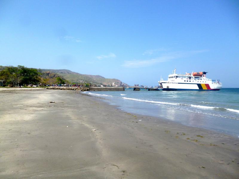 Die Fähre von Dili nach Atauro Island