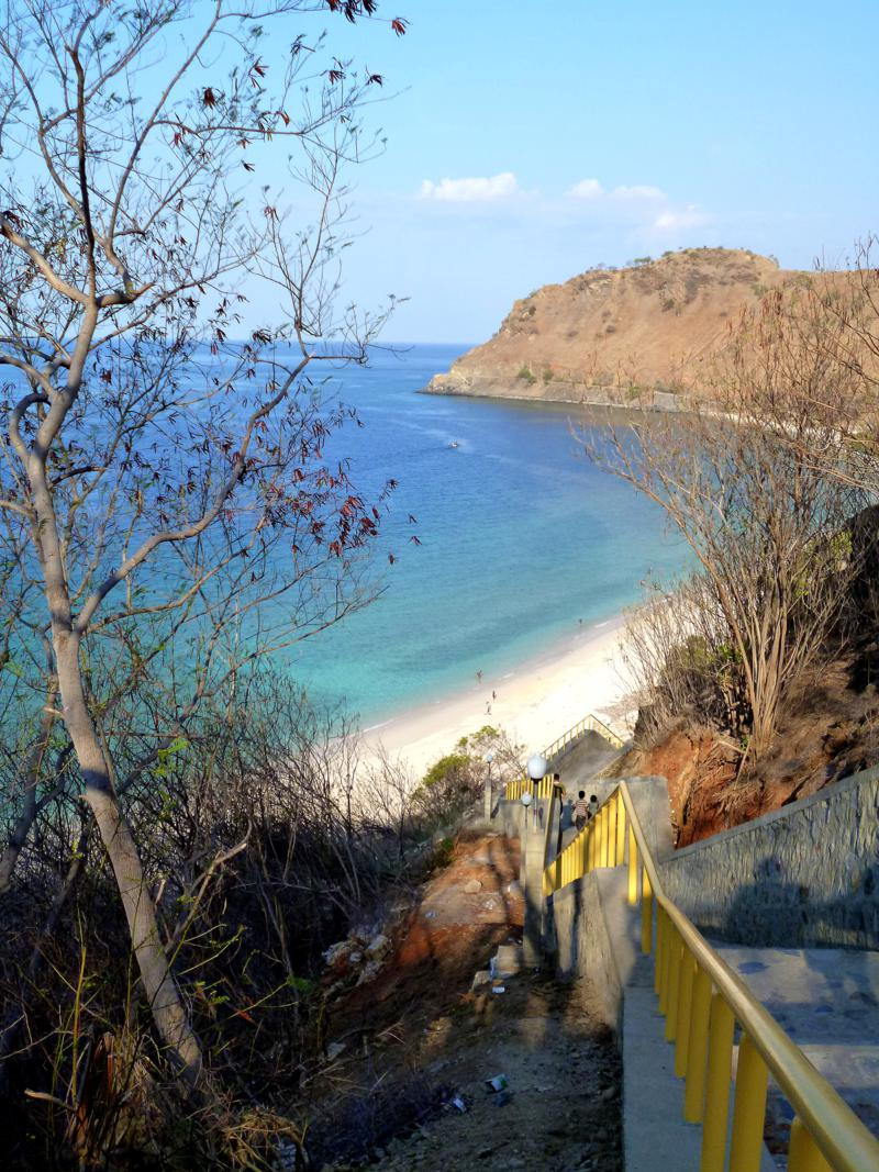 Traumhafter Strand in Dili, der One Dollar Beach
