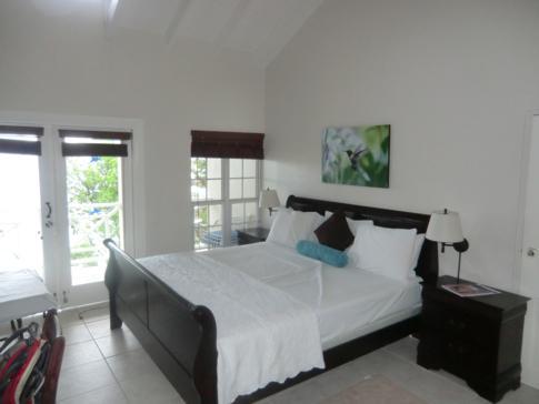 Ein renoviertes Deluxe-Zimmer im Blue Waters Inn in Speyside