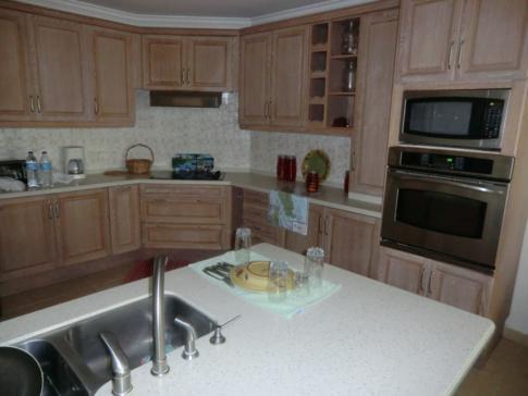 Die Küche in der Flamboyant Suite, Black Rock Dream Apartments