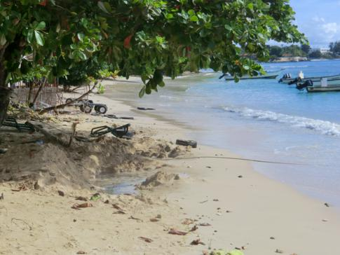 Der Strand am Conrado Beach Hotel in Tobago