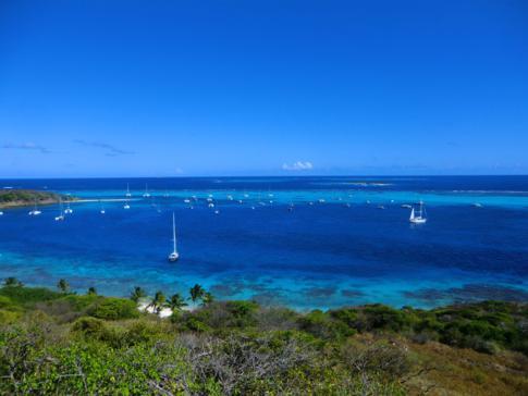 Blick von Petit Bateau auf die Tobago Cays