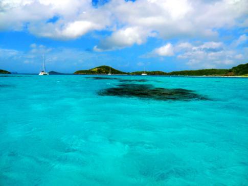 EInfahrt in die Tobago Cays - ein Paradies tut sich auf