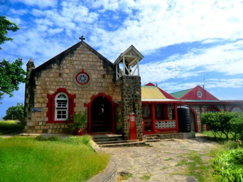 Die Kirche auf Mayreau mit tollem Ausblick über die Insel und die Tobago Cays