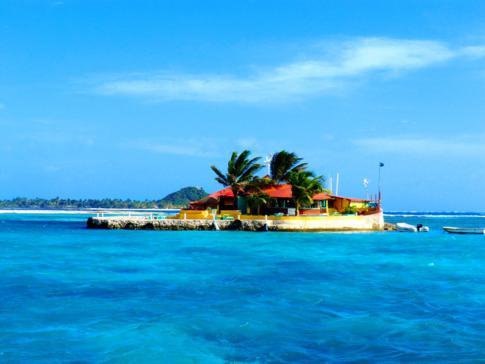 Happy Island, ein kleiner Freistaat eines Privatmanns vor der Küste von Union Island