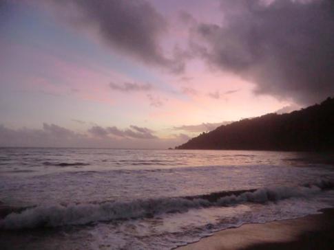 Sonnenaufgang am Strand von Grande Riviere