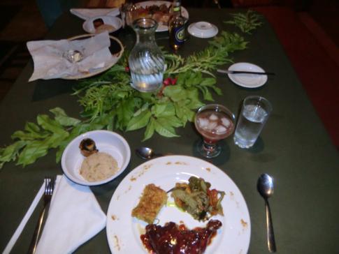 Das Abendessen im sehr guten Restaurant des Mt. Plaisir Estate Hotel
