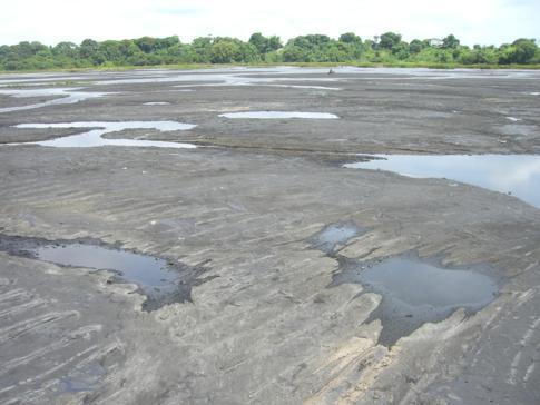 Der Pitch Lake - Asphaltsee im Süden von Trinidad