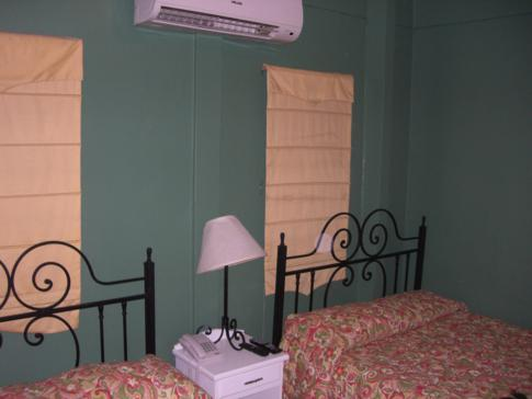 Unser Doppelzimmer im Forty Winks Inn in Port of Spain