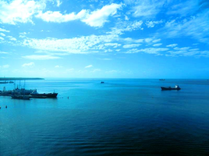 Blick von unserem Zimmer im 11. Stock des Hyatt Regency auf den Hafen von Port of Spain