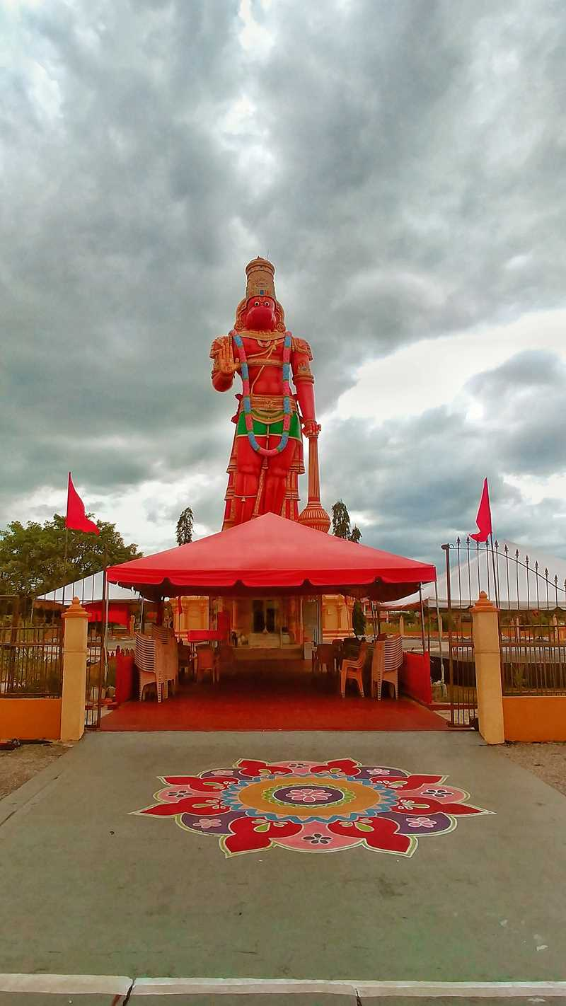 Die Hanuman-Statue, die größte Hindu-Statue in der Karibik