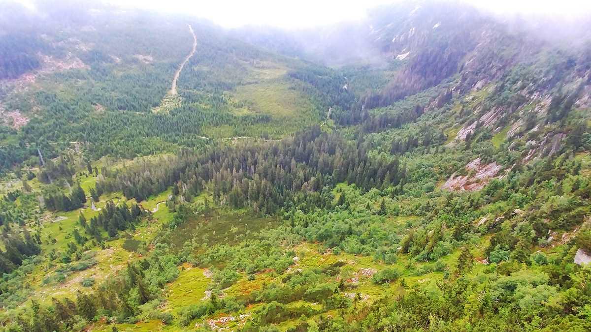 Blick in das Elbtal im tschechischen Riesengebirge