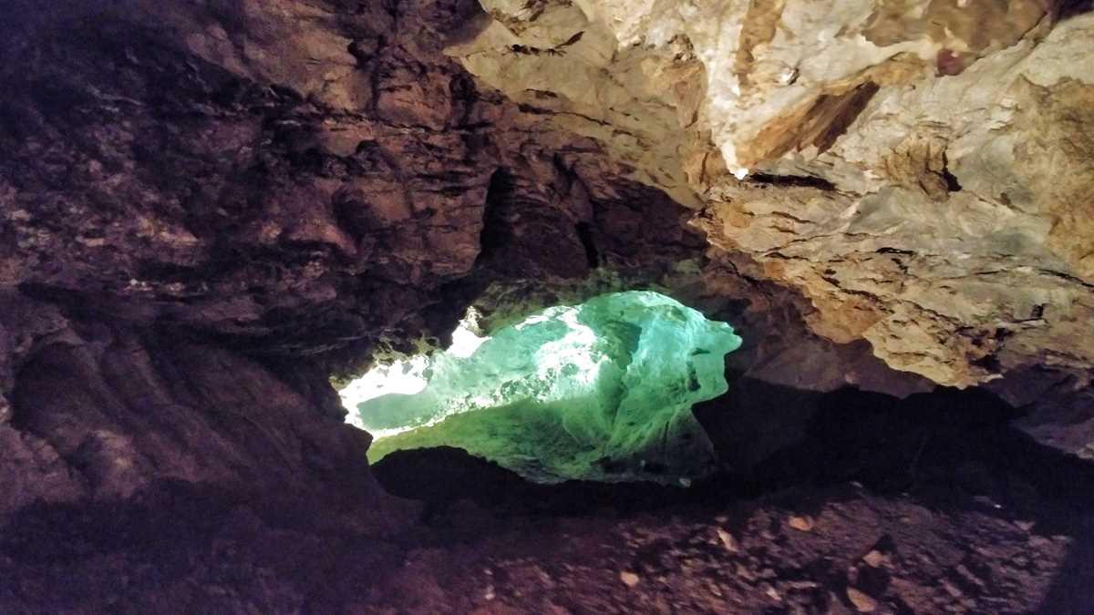 Die Dolomitenhöhlen in Bozkov im Böhmischen Paradies