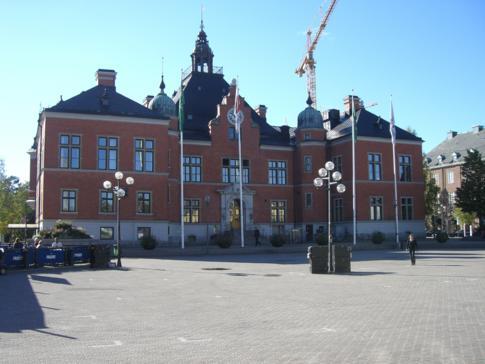Der zentrale Rathausplatz von Umea