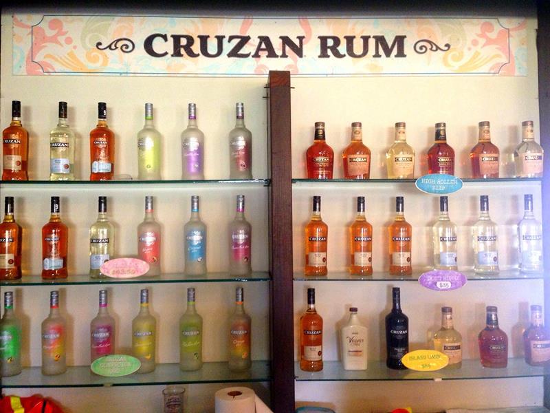 Besuch in der Cruzan Rum Destillery auf St. Croix