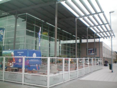 Der Flughafen Niederrhein bei Weeze an der deutsch-holländischen Grenze