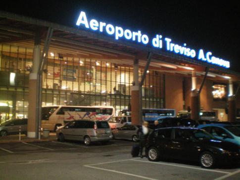 Der Flughafen Treviso, ca. 40 Kilometer von Venedig entfernt