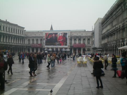 Der Markusplatz, zentraler Punkt im Herzen von Venedig