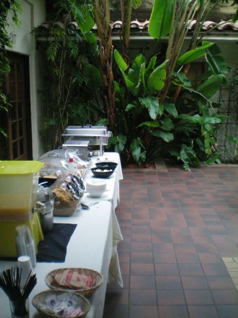 Frühstücksbuffet im Clocktower Inn in Ventura