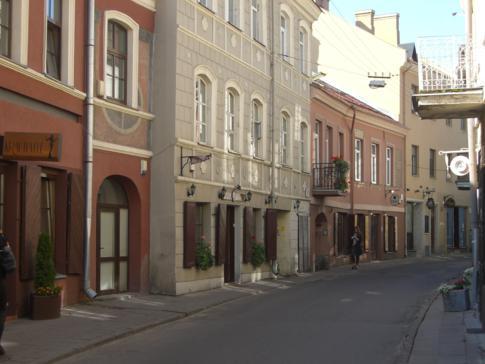 Eine der zahlreichen kleinen Straßen in der Altstadt von Vilnius