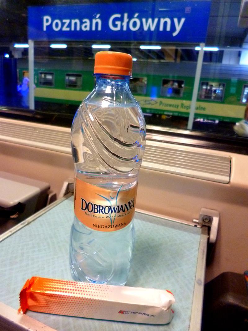 Kleine Verpflegung im Zug nach Warschau