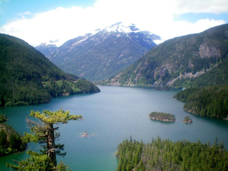 Der Diablo Lake im North Cascades National Park in Washington State
