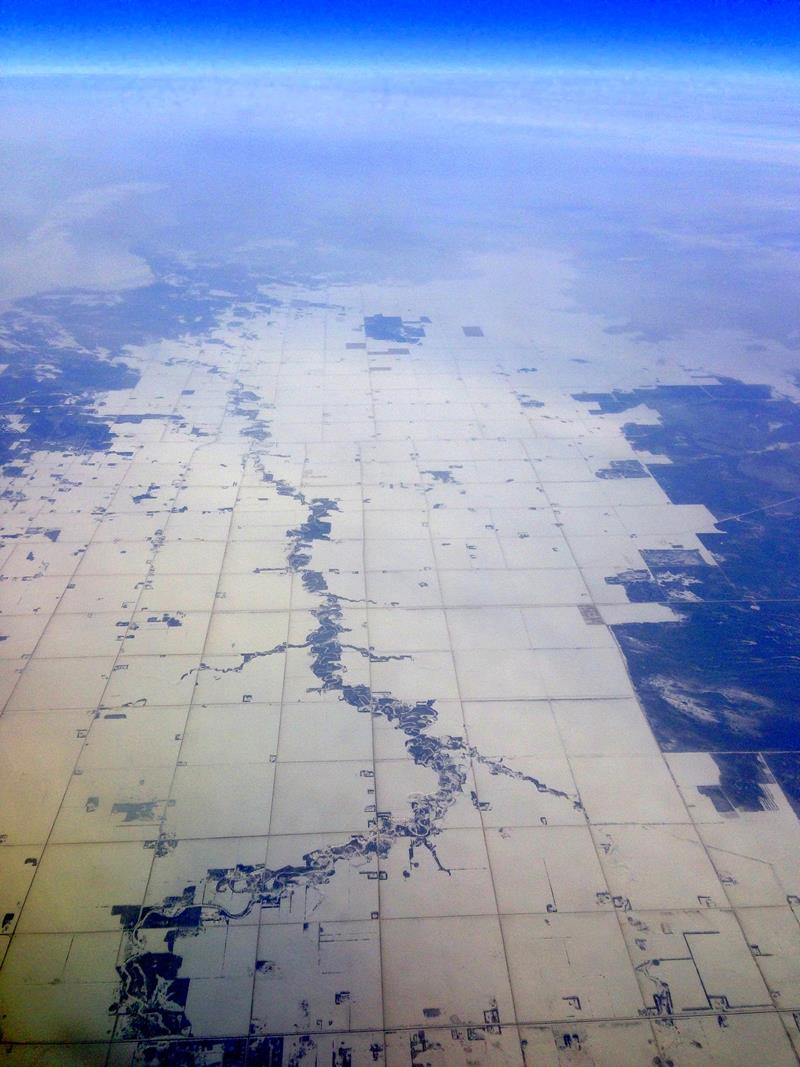Flug über die Prärie von Kanada mit Westjet