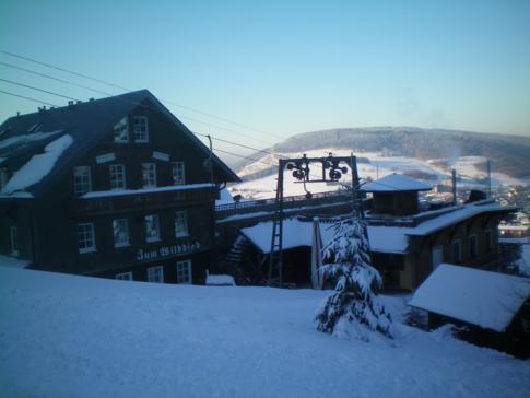 Die mit dem Lift durchfahrene Hütte am Wilddiebhang in Willingen