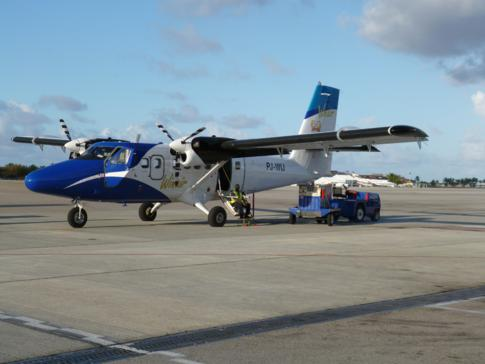 Eine DHC-6-Twin Otter der Fluggesellschaft Winair