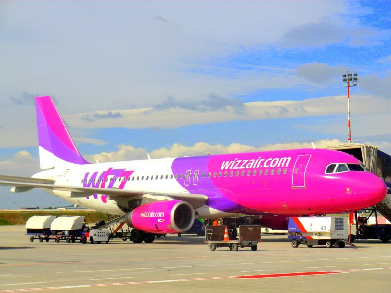 Ein Flugzeug von Wizz Air am Flughafen von Budapest