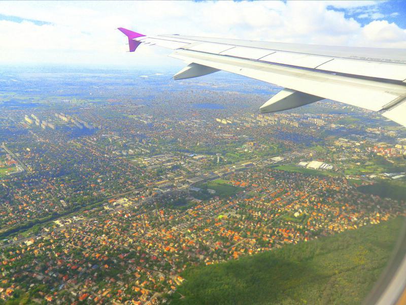 Ausblick auf Budapest während des Fluges mit Wizz Air